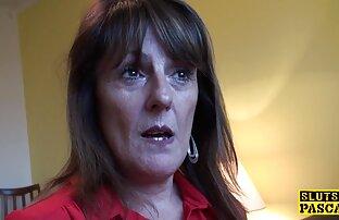 Un plombier casse une film x gratuit vf noix dans une femme salope