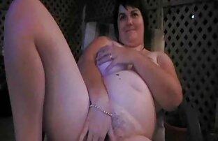 Une fille lesbienne chaude baise films porno allemand et suce sur le Web sur SexAtCams.com