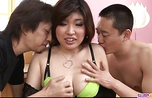 Voyeur se fait contrôler la bite par Kiki et Sandra film porno français streaming gratuit