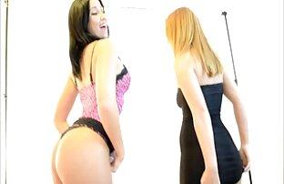 Cuties lesbiennes Priscilla et Xenia film porno de français (Donatella)