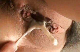 Hot blonde recherche film porno français mariée se déshabille et se fait lécher la chatte rasée